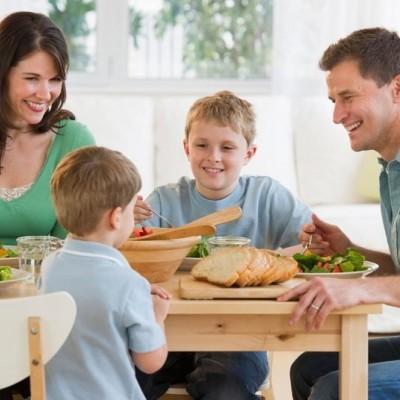 6 consigli per tenere i vostri bimbi a tavola